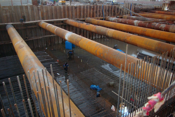 Тоннель на Пироговской набережной затоплен