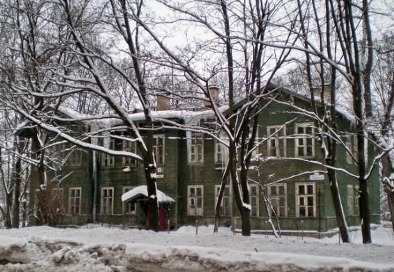 Улица Чекистов, 9