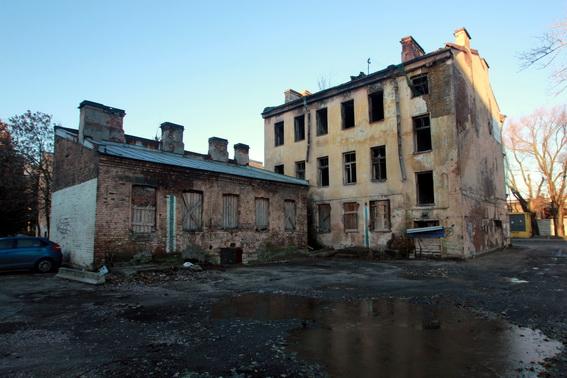 Заброшенный дом на улице Ивана Черных, 27