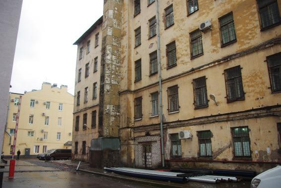 Здание на Заставской, 25 рядом с бизнес-центром «Авиатор»