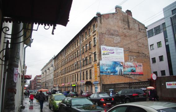 Здание на Заставской, 25 рядом с бизнес-центром