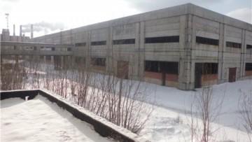 Заброшенное здание неподалеку от станции Броневая