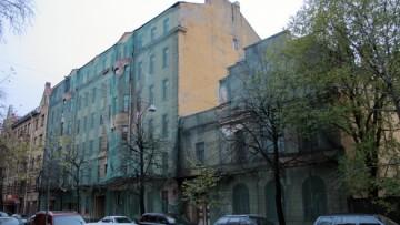 Лахтинская, 10-11, заброшенное здание