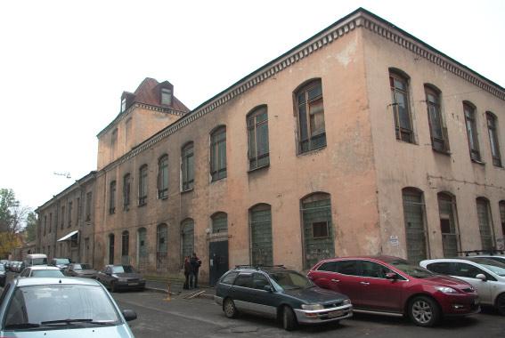 Здание на углу Зеленкова и Ловизского переулков