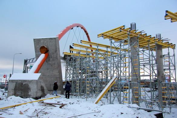 Строительство надземного перехода на Таллинском шоссе