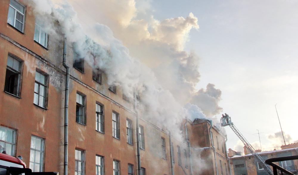 Подъездной переулок, 13, пожар, двор