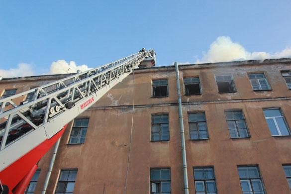 Пожар в Подъездном переулке, 13, пожарная лестница