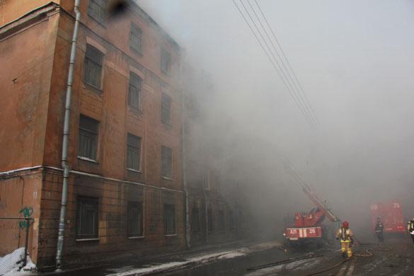 Тушение пожара в Подъездном переулке, 13