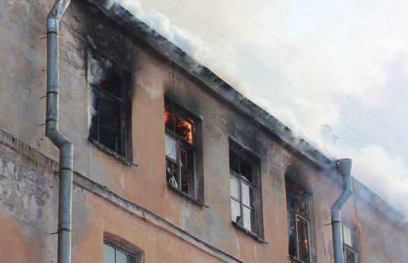Пожар в Подъездном переулке, последний этаж