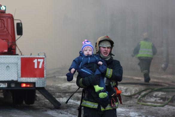 Эвакуация жильцов из-за пожара в Подъездном