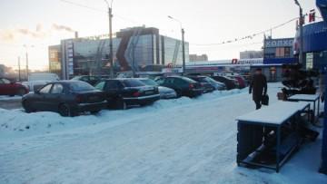 Торговый комплекс у метро «Старая деревня»