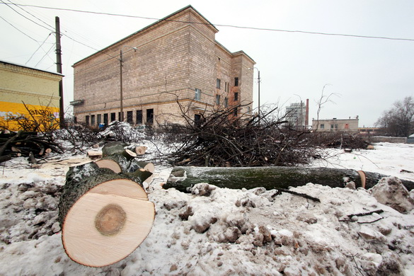 Сквер Спутник вырубают