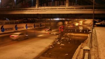 Вода в тоннеле под Американскими мостами
