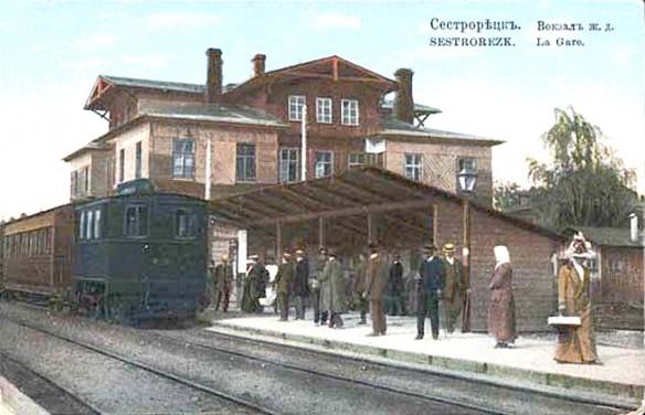 Сестрорецкий вокзал вскоре после постройки