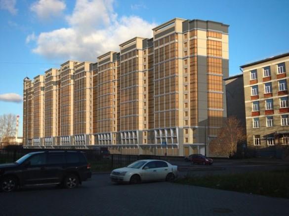 Вид со стороны Варшавской улицы