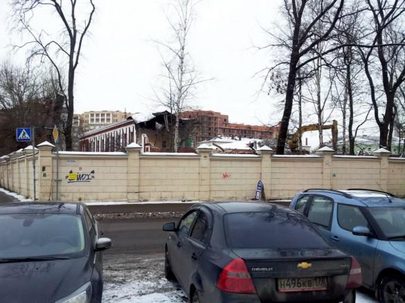 Снос сталинской школы на Петроградской