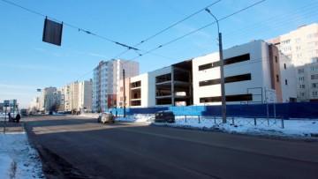 Недостроенное здание на проспекте Энтузиастов