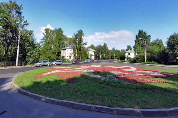 Площадь Стравинского в Ломоносове