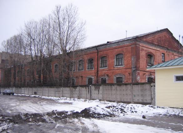 Дореволюционное здание заводоуправления на Митрофаньевском шоссе
