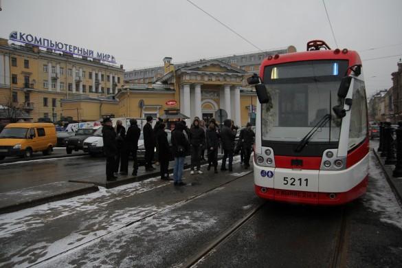 Движение челночных трамваев на Садовой улице