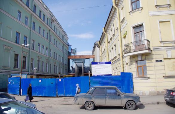 Малая сцена Александринки, вход с Фонтанки