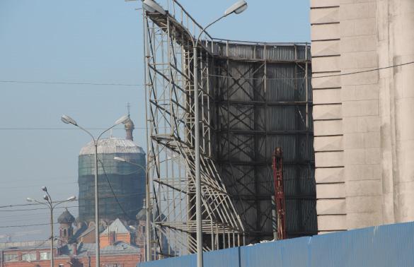 Строительный забор, Фрунзенский универмаг