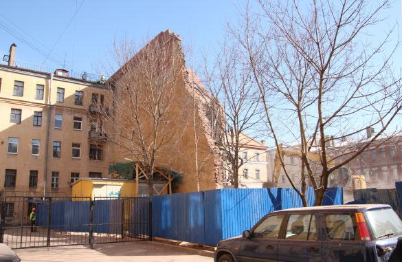 Снос дома в переулке Лодыгина, 3