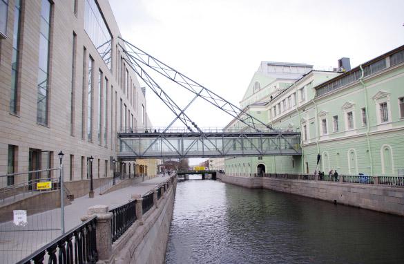 Вторая сцена Мариинского театра, мост через Крюков канал