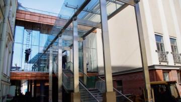 Малая сцена Александринки, вход в здание