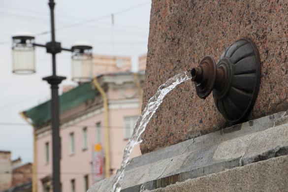 Фонтан «Поилка» на Сенной площади