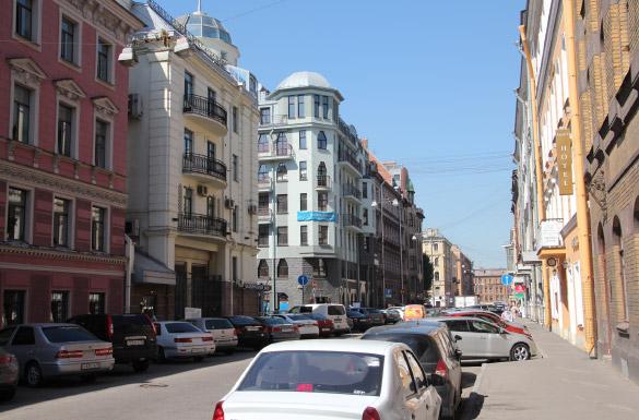 Жилые дома на углу Стремянной и Поварского