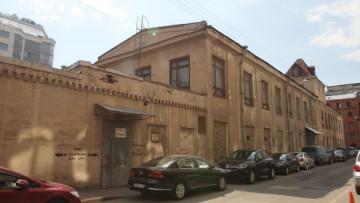 Смолячкова, 6, исторические здания со стороны Ловизского переулка