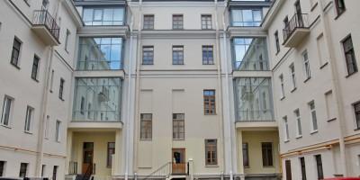 Двор дома Трезини