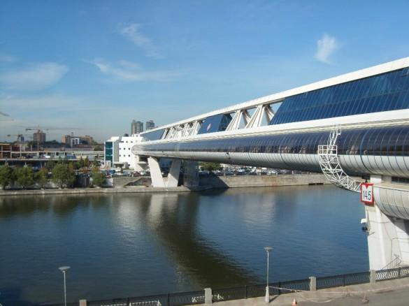 Торговый мост «Багратион» в Москве