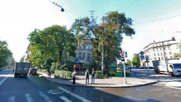 Сквер на перекрестке Левашовского и Чкаловского проспектов