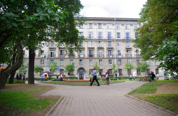 Сквер на пересечении Левашовского и Чкаловского проспектов