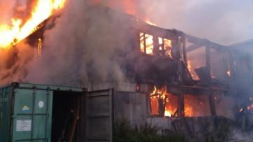 Пожар у «Ленты» в Парголове