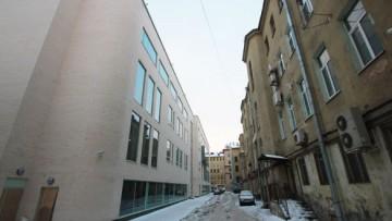Академия танца Бориса Эйфмана, вид из переулка