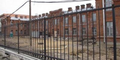Улица Красина, реконструкция больницы
