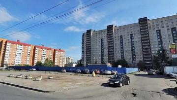 Стройка торгового комплекса на Косыгина