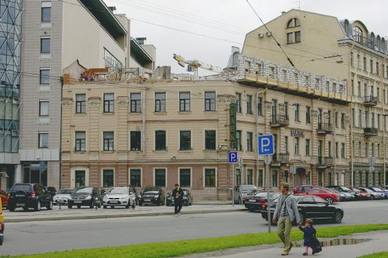 Реконструкция банка на Мытнинской набережной, 13
