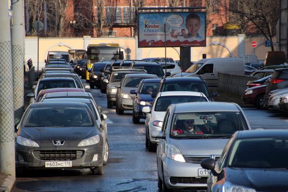 Пробка на Лоцманской улице