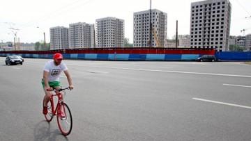 Велосипедист на Петроградской стороне
