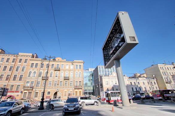 Рекламный экран на Греческой площадь