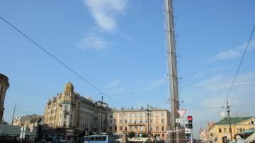Башня мира в центре Санкт-Петербурга