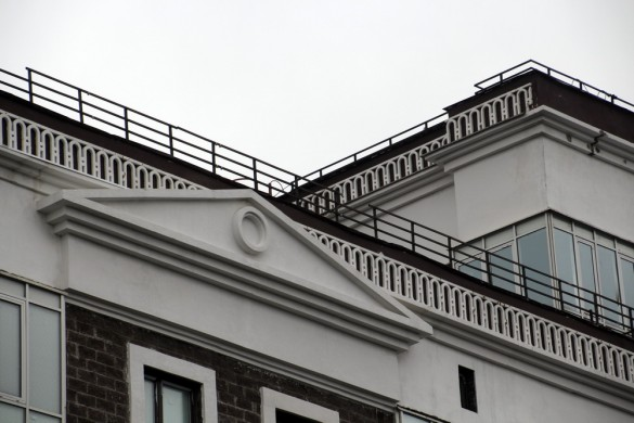 Глухая Зеленина, 2, фронтон