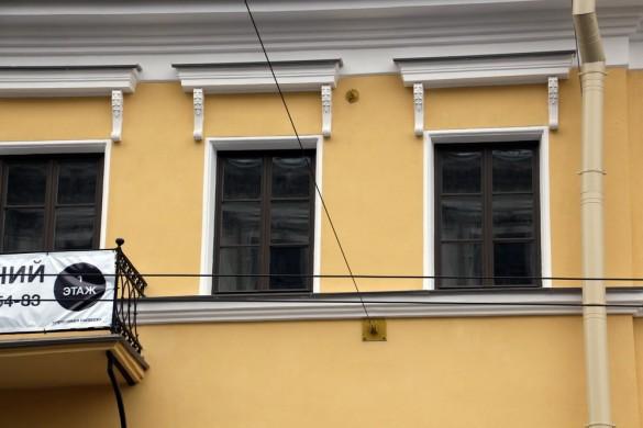 Окна дома Дельвига