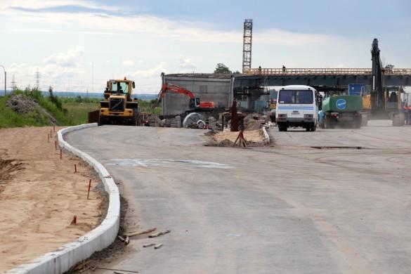 Съезд с путепровода на Московском шоссе