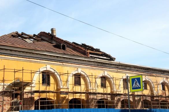 Снос крыши Никольского рынка
