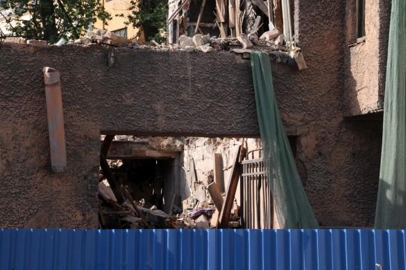 Сносят дом на Сытнинской